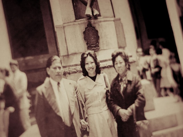 Dr. Jane Guerra and parents in Lima, Peru